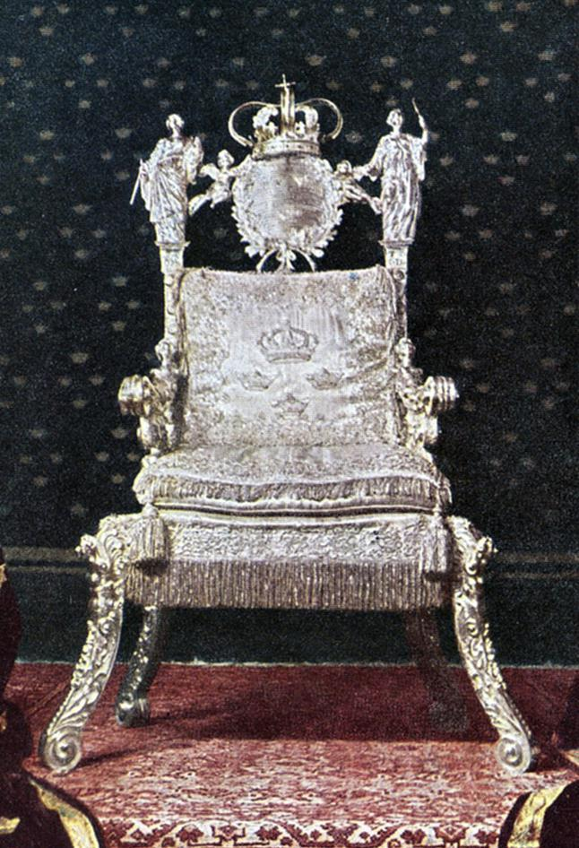 01_The_Silver_Throne