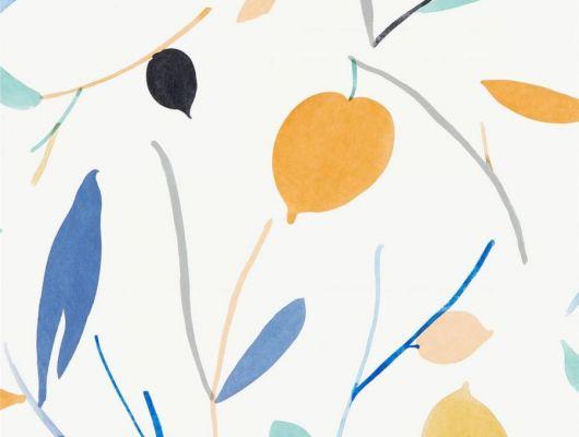 Заказать английские обои в гостиную арт. 111995 дизайн Oxalis из коллекции Zanzibar от Scion, Великобритания с  принтом в виде листьев в красивых сине-оранжевых тонах на белом фоне в шоу-руме в Москве с бесплатной доставкой, онлайн оплата, Zanzibar, Обои для гостиной, Обои для спальни