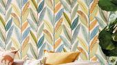 Выбрать обои для спальни Hikkaduwa с крупным лиственным узором  из коллекции Esala от Scion в шоу-руме в Москве