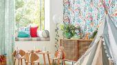 Выбрать разноцветные обои Hide And Seek арт. 112633 от Harlequin с акварельным изображением лис, кроликов и бабочек среди цветов и травы в интернет-магазине.