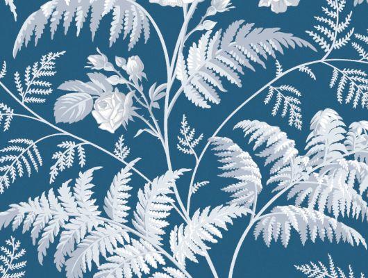 """Обои Cole & Son - """"Rose"""" арт. 115/10031 Классика англиских паттернов с изображением прекрасной розы, королевой и укращением садов, в окружении листьев папоротника на фоне цвета деним белого и бледно-голубого цвета. Английские обои, Обои Cole & Son, Каталог обоев, Botanical Botanica, Обои для гостиной, Обои для кухни, Обои для спальни"""