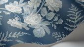 """Обои Cole & Son - """"Rose"""" арт. 115/10031 Классика англиских паттернов с изображением прекрасной розы, королевой и укращением садов, в окружении листьев папоротника на фоне цвета деним белого и бледно-голубого цвета. Английские обои, Обои Cole & Son, Каталог обоев"""
