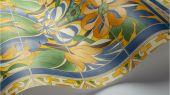 Флизелиновые обои пр-во Великобритания коллекция Seville от Cole & Son, с рисунком под названием Triana имитация расписанной керамической плитки преимущественно желтый цвет. Обои для кухни, обои для гостиной, обои для коридора. Онлайн оплата, купить обои, большой ассортимент
