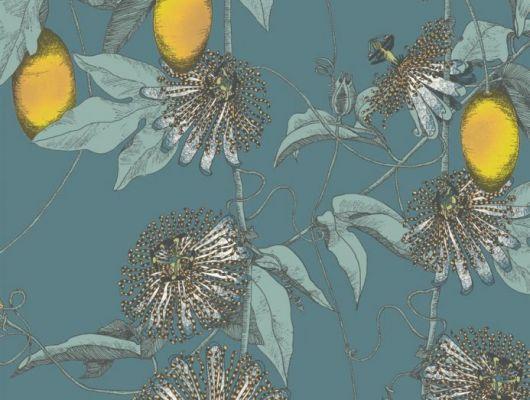 Обои Fardis - Skardu арт. 117081, где представлен изысканный растительный узор из вьющихся стеблей страстоцвета, украшенного необычными цветами и красочными плодами жёлтых и бирюзовых оттенков, на фоне структурного металлика цвета морской волны. Стильные обои, Стоимость, заказать доставку., SHANGRI LA, Обои для гостиной, Обои для кабинета, Обои для кухни, Обои для спальни