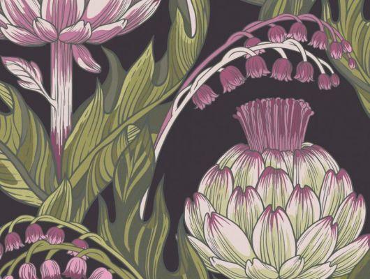 Обои Fardis - Mai арт. 11710. Детально прорисованные артишоки и колокольчики объединены современным стилевым оформлением, в котором насыщенные, экспрессивные цвета применяются наравне с классическими оттенками. На черно-фиолетовом фоне придают контраст травяные и розовые оттенки. Обои Fardis, Английские обои, выбрать в каталоге., CANTARI, Обои для гостиной