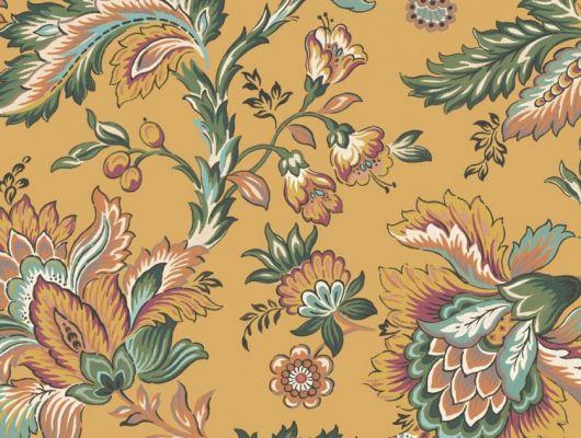 Обои Delphine арт. 11734 от Fardis. Один из архивных дизайнов, послужил вдохновением для их создания, который напоминает старинный гобелен. Растительный орнамент в зеленых, оранжевых и красных тонах выполнен на ярком горчичном фоне. Обои для ремонта, обои для комнаты, красивые обои., CANTARI, Обои для гостиной