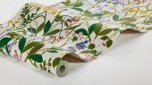 Флизелиновые обои из Швеции коллекция Scandinavian Designers III от Borastapeter  ROS OCH LILJA . Насыщенные яркие краски лета. Садовые цветы на  сливочно-белом фоне. Печать передает ощущение росписи вручную.