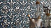 Купить в Москве дизайнерские флизелиновые обои Morris Bellflowers арт. 216806 из коллекции Compilation Wallpaper от Morris с растительным орнаментом с бесплатной доставкой.