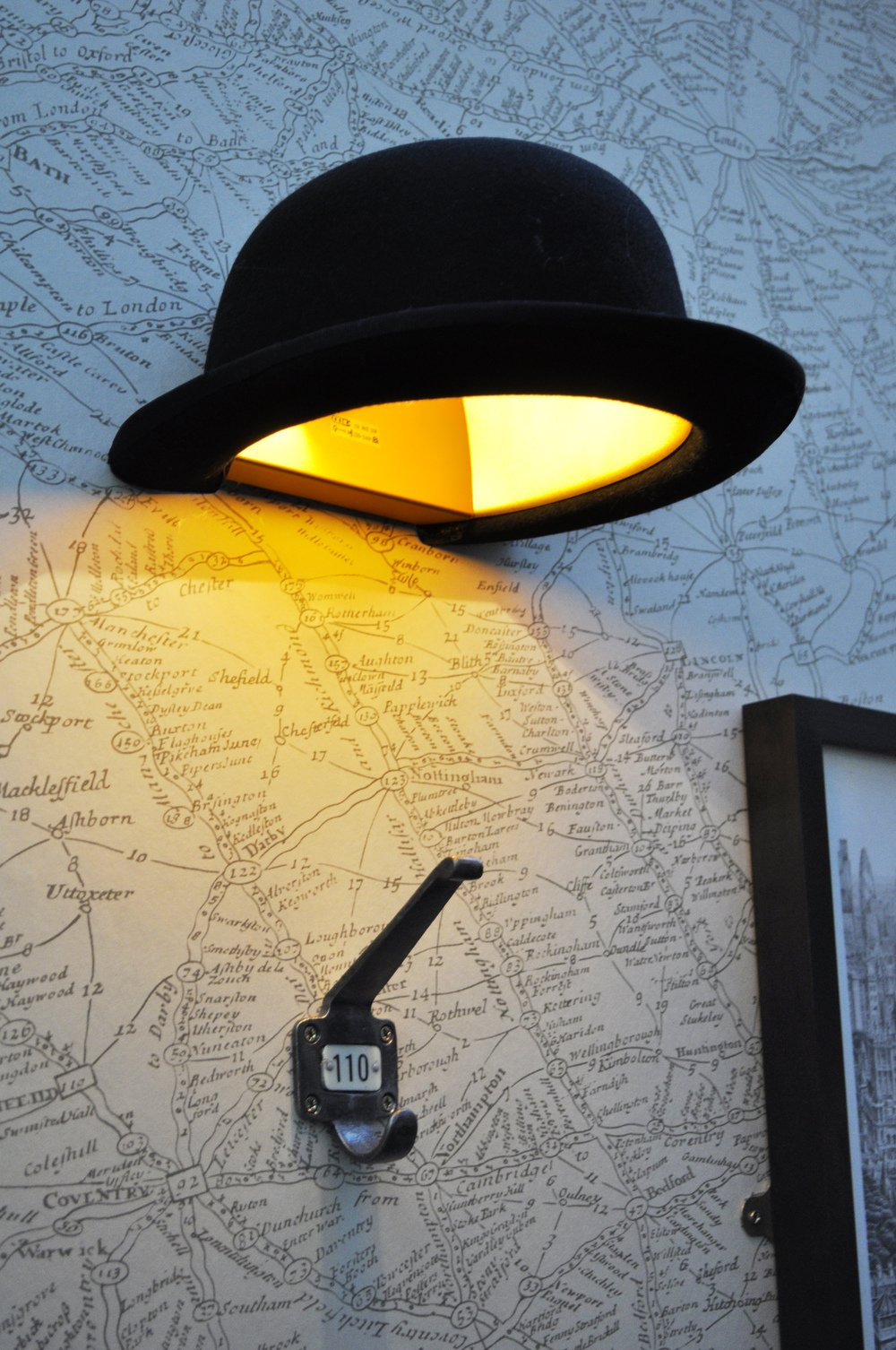 11_Jeeves_Bowler_Hat_Wall_Lamp