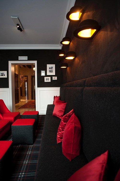 09_Hotel_Prinsenhof_Bar,_Bruges,_Belgium