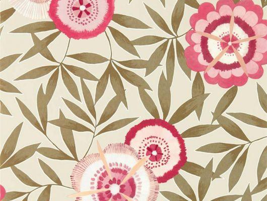 Обои в столовую с яркими розовыми цветами и листьями цвета хаки на бежевом фоне арт. 112161 дизайн Komovi  из коллекции Salinas от Harlequin, Великобритания выбрать в шоу-руме в Москве, Salinas, Обои для гостиной, Обои для спальни