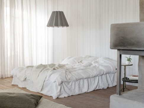 4053_Drapery_bedroom_01_040-487x365