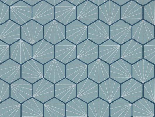 Выбрать обои для гостиной Aikyo с геометрическим принтом на голубом фоне из коллекции Japandi  от Scion на сайте odesign.ru, Japandi, Обои для гостиной, Обои для кабинета, Обои для спальни