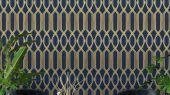 Обои для гостинной с крупным геометрическим орнаментом, состоит из серо-синих линий, на глубоком синем фоне. Обои в кабинет