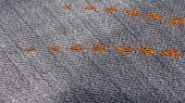 Метровые виниловые моющиеся обои на флизелине из Швеции коллекция VINYL от Collection FOR WALLS артикул 8038 под названием Freja. графитового цвета с изысканным рисунком в современном стиле с изображением силуэта веера и мягкой структурой украсят стены спальни, гостиной, коридора или кухни. Купить в интернет-магазине с бесплатной доставкой по России.