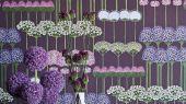 """Обои Cole & Son - """"Allium"""" арт. 115/12036. Цветочный паттерн, создает геометричный рисунок с изображением луковичных растений в оттенках шелковицы и вереска на фиолетовом фоне. Обои в Москве, адреса магазинов, каталог обоев"""