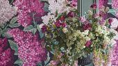 """Обои Cole & Son - """"Lilac Grandiflora"""" арт. 115/15045 - это изображение всеми любимого пышного кустарника сирени  цвета мадженты и розовых румян на угольном фоне, являются болеее крупным вариантом арт. 115/1001. Обои в гостиную, стильные обои, флизелиновые обои"""