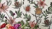 """Обои Cole & Son - """"Thistle"""" арт. 115/14043. Неординарные цветы чертополоха графично выполнены в розовых и оранжевых тонах на светлом фоне. Смелый дизайн напечатан методом шелкографии и имеет благородный матовый финиш. Обои в Москве, адреса магазинов, каталог обоев"""
