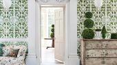 """Слово топиар берет свое начало с Римской империи и использовалось для обозначения скульптур из растений разнообразнейшей формы, создаваемые садовниками на участках господ. Топиарий и по сей день является неотъемлемой частью жизни, без которого уже не обходится современный ландшафтный дизайн. Создайте у себя дома собственный сад, с помощью обоев Cole & Son - """"Topiary"""" арт. 115/2005. Обои для квартиры, обои на стену, дизайнерские обои."""