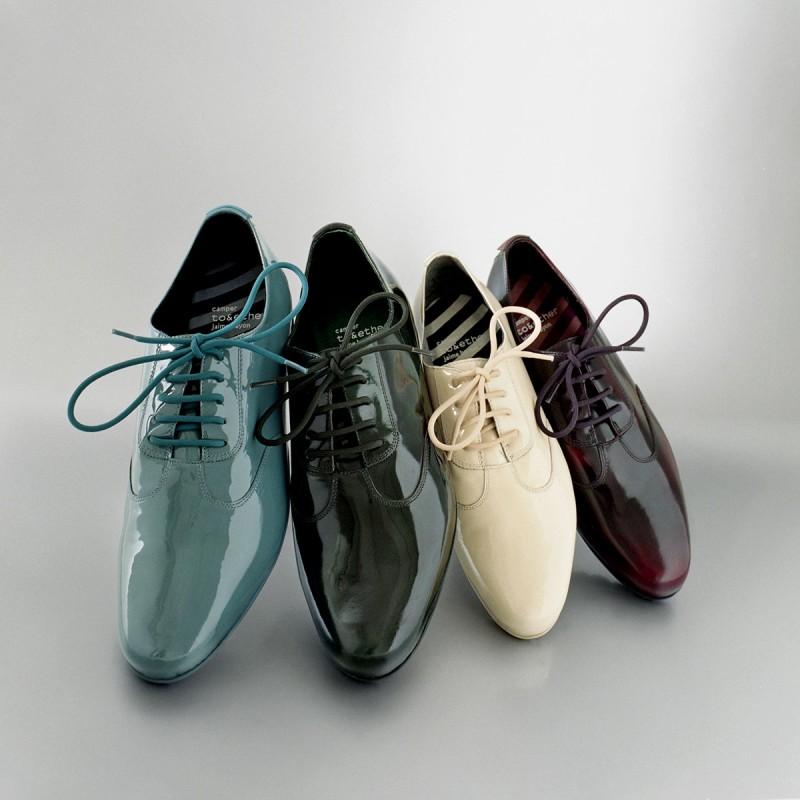 Глянцевые ботинки от дизайнера Джейме Хайона