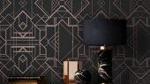 Обои в гостинную с геометрическим принтом на черном фоне с бронзовыми линиями.
