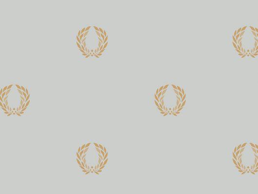 Виниловые обои на бумажной основе напечатаны методом горячего тиснения. Обои металлизированы и имитируют шелковое сияние. Арт.№ 36409 - фоновые обои в классическом стиле, а паттерн в виде золотой триумфальной короны Древнего Рима, придает им торжественный вид. Английские обои, Обои Aura, Каталог обоев, Silks & Textures II, Обои для гостиной, Обои для кабинета