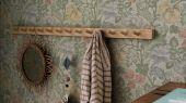 Флизелиновые фотопанно из Швеции коллекция Vårt Arkiv от Borastapeter под названием JANE.  Яркие красные, желтые, голубые и сиреневые цветы с пышной приглушенно-зеленой листвой. Рисунок был создан в 70-х годах прошлого века под вдохновением от работ Уильяма Морриса (William Morris). Фотообои для коридора, панно для спальни, фотообои для гостиной. Купить обои в интернет-магазине Одизайн, бесплатная доставка, онлайн оплата