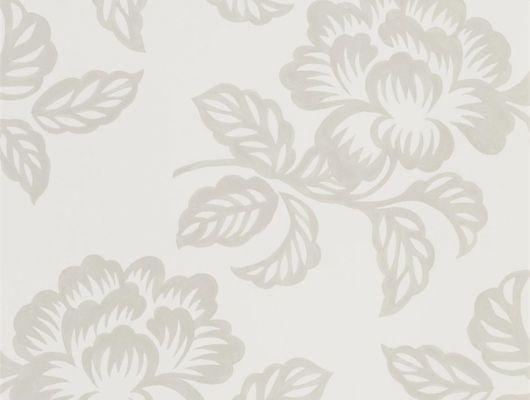 Обои для спальни, дизайн Berettino арт. PDG1020/02 из коллекции Majolica от Designers guild с цветами серебряного цвета на бежевом фоне, недорого.Большой ассортимент, Majolica, Обои для гостиной, Обои для спальни