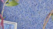 Выбрать обои для гостиной, дизайн Lustro арт. PDG1025/01 из коллекции Majolica от Designers guild яркого синего цвета на сайте odesign.ru