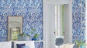 Заказать дизайнерские английские фотообои для спальни арт. PDG1029/01 из коллекции Majolica от Designers guild с орнаментом насыщенного синего цвета, с доставкой по Москве,недорого.