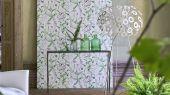 Фирменные обои для гостиной арт. PDG1050/01  из коллекции Mandora от Designers Guild, Великобритания с графичным цветочным рисунком в бело-зеленых тонах. Купить в шоу-руме Одизайн в Москве, большой ассортимент