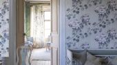 Английские обои в спальню арт. PDG673/03,дизайн Floreale из коллекции Caprifoglio от  Designers guild, пр-во Великобритания с нежными пионами пудрового цвета подойдут в комнату девочки,ФОто в интерьере