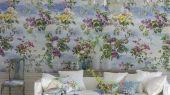 Заказать Панно в коридор арт. PDG676/01, дизайн Caprifoglio  из коллекции Caprifoglio от  Designers guild, пр-во Великобритания с крупными цветами на фоне неба, с бесплатной доставкой.Фото в интерьере