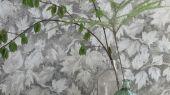 Обои в гостиную  арт. PDG679/03 из коллекции Caprifoglio от  Designers guild пр-во Великобритания с серыми листьями, купить с доставкой. Обои в интерьере