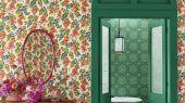 Флизелиновые обои пр-во Великобритания коллекция Seville от Cole & Son, переливающийся цветочный рисунок под названием Bougainvillea на светлом фоне. Обои для спальни, обои для кухни, обои для гостиной. Купить обои в салоне Одизайн, большой ассортимент, бесплатная доставка