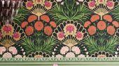 Флизелиновые обои пр-во Великобритания коллекция Seville от Cole & Son, яркий цветочный рисунок под названием Flamenco Fan на темном фоне. Обои для гостиной, обои для спальни. Купить обои в салоне Одизайн, большой ассортимент, бесплатная доставка