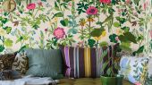 Флизелиновые обои из Швеции коллекция Scandinavian Designers III от Borastapeter под названием SOMMAR растительный рисунок. Фон - имитация льна бежевого цвета. Обои для спальни, обои для гостиной, для кухни. Бесплатная доставка, купить обои, большой ассортимент