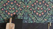 """Английские флизелиновые обои, арт. 118/2002 """"Tudor Garden"""", бренда Cole & Son , из коллекции Great Masters . Обои для гостиной и спальни с изображением садов эпохи Тюдоров,орнамент выполнен в классических оттенках. Купить в Москве с бесплатной доставкой, широкий ассортимент."""