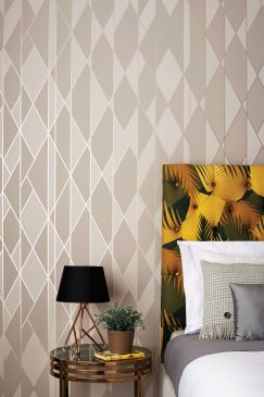 cole-and-son-wallpaper-oblique-105-11046-interior-243x365