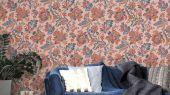 Обои Delphine арт. 11733 от Fardis. Один из архивных дизайнов, послужил вдохновением для их создания, который напоминает старинный гобелен. Растительный орнамент в изумрудных и горчичных тонах выполнен на темном фоне. Каталог обоев, обои для квартиры, обои на стену.